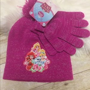 Palace pets Disney kids hat and gloves set